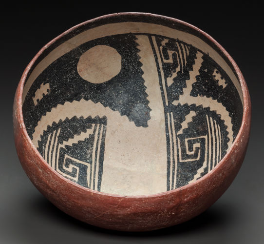 Gila Polychrome bowl, a Salado Polychrome